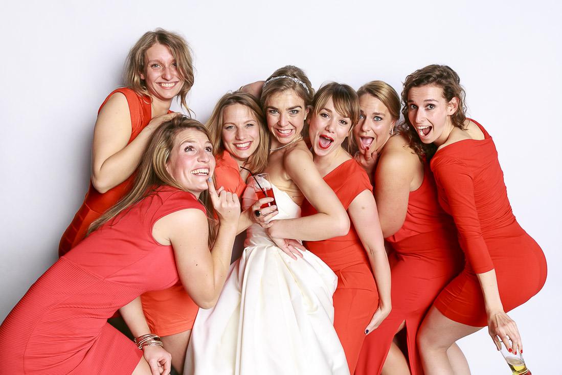 bruidsmeisjes in het rood